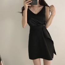 小心機V領背心+設計感短裙 整套一起賣~