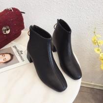 [預購] 後拉鍊短靴  35 - 39  small ki