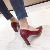 [預購] 秋冬款低跟鱷魚皮壓紋皮革質感優雅方頭跟鞋 35-39  SMALL KI