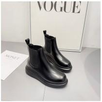 [預購] 英倫風厚底短靴   35 - 39  small ki