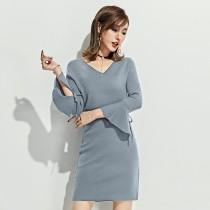 秋冬優雅再加一V領喇叭袖針織洋裝  M-L  SMALL KI